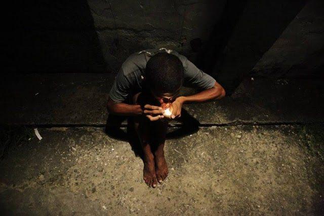 DROGRADO NAS RUAS - As Drogas e Suas Consequências