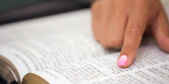 Como ler a Bíblia em um ano? – Guia completo