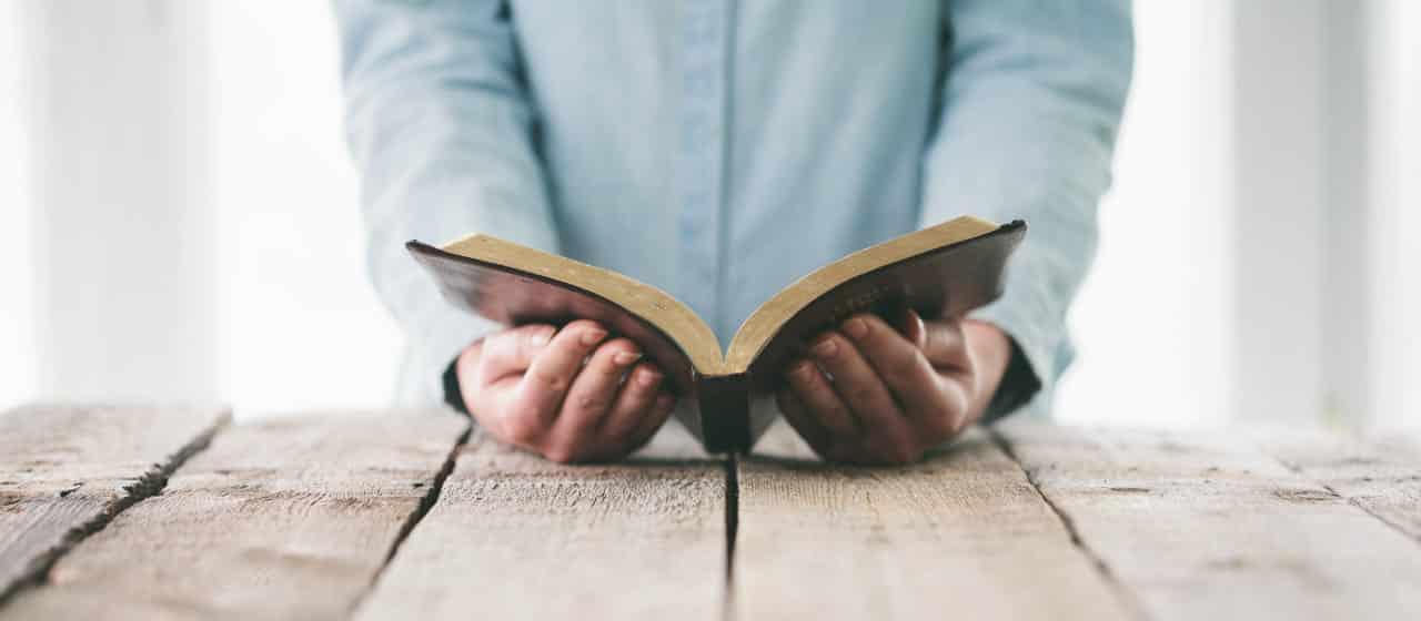 o que a biblia fala sobre dinheiro veja os versiculos e edifique se 20180809145806.jpg - O Que a Bíblia Fala Sobre Dinheiro? Veja os Versículos e Edifique-se
