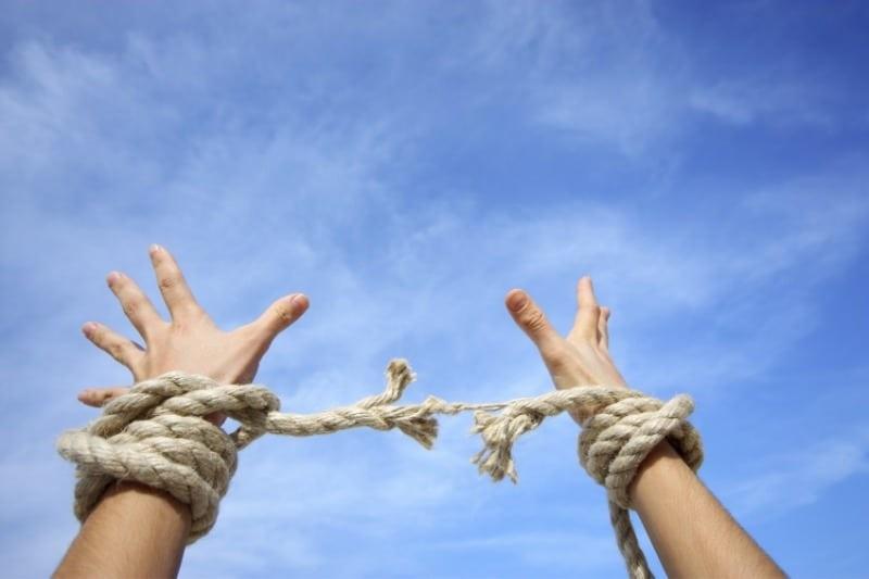 O poder da oração para a libertação de vícios