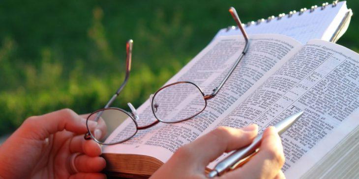 Saiba como a teologia pode transformar a sua vida