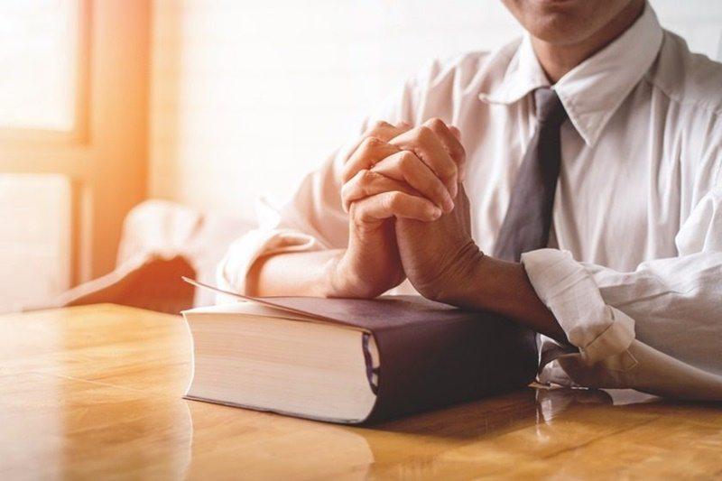 Estudo bíblico – O que Mateus diz sobre os falsos profetas?