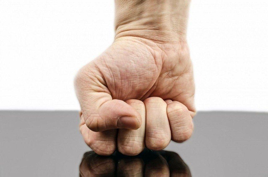 mãos de vingança 1024x678 - Vingança O Que Deus Diz Sobre se vingar Com as Próprias Mãos