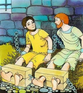 paulo e silas no tronco - Histórias Bíblicas - Paulo e Silas na Prisão